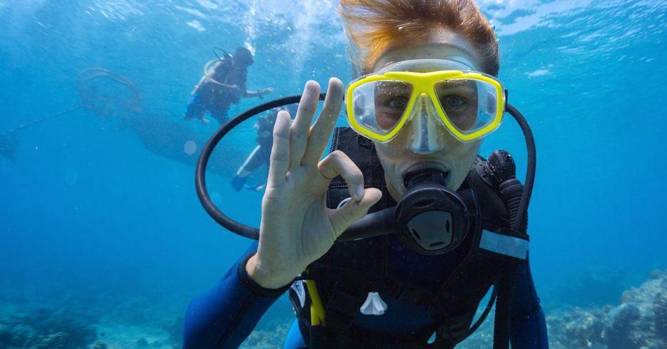 Scuba Diving for Beginners: Best Way to Stay Confident on Your Training
