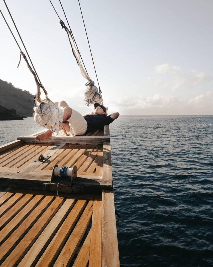 How to Survive and Have Enjoyable Komodo Liveaboard Trip