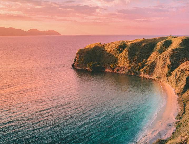 komodo tours from labuan bajo, exploring padar and enjoy beautiful sunset